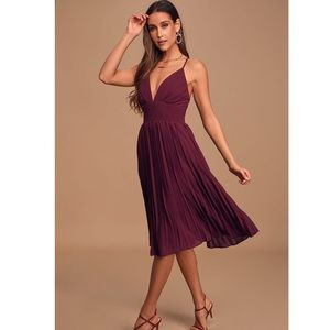 Lulus | Love Me To The Moon Burgundy Pleated Dress